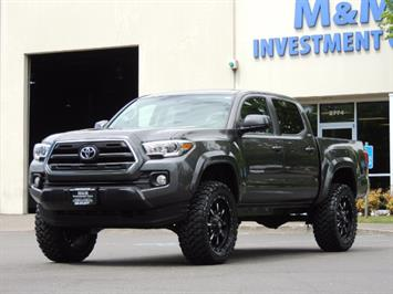 2017 Toyota Tacoma SR5 V6 / 4x4 / Double cab / Backup / LIFTED LIFTED Truck
