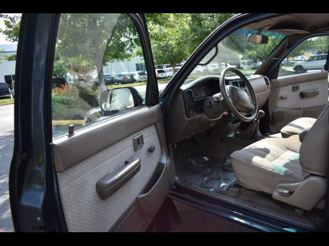1997 Toyota Tacoma V6 2dr X-Cab 5 Speed Manual 4WD TimingBelt Done - Photo 13 - Portland, OR 97217