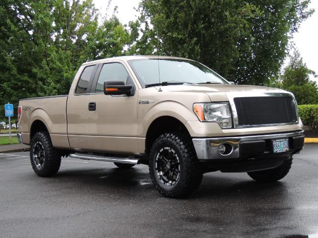 2012 Ford F-150 XLT / 4X4 / 3.7L V6 / LIFTED LIFTED - Photo 2 - Portland, OR 97217