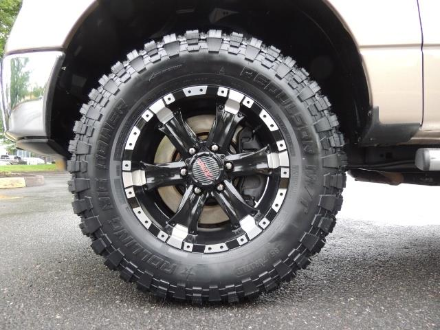 2012 Ford F-150 XLT / 4X4 / 3.7L V6 / LIFTED LIFTED - Photo 22 - Portland, OR 97217