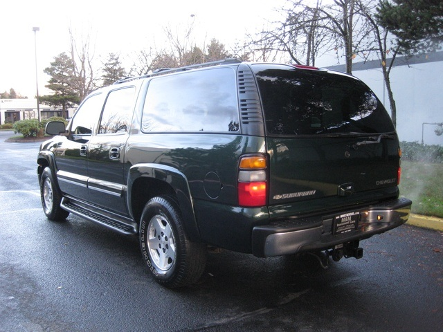 2004 chevrolet suburban 1500 lt 4wd leather moonroof 3rd seat. Black Bedroom Furniture Sets. Home Design Ideas