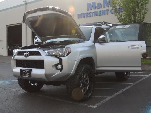 2016 Toyota 4Runner SR5 SPORT SUV 4WD V6 / 3RD SEATS REAR CAM / LIFTED - Photo 36 - Portland, OR 97217