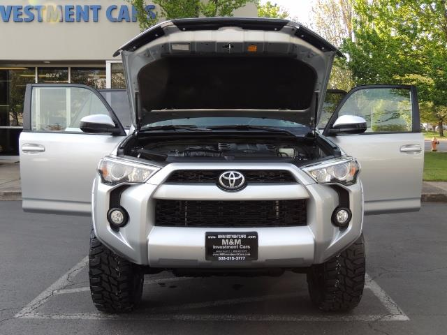 2016 Toyota 4Runner SR5 SPORT SUV 4WD V6 / 3RD SEATS REAR CAM / LIFTED - Photo 34 - Portland, OR 97217