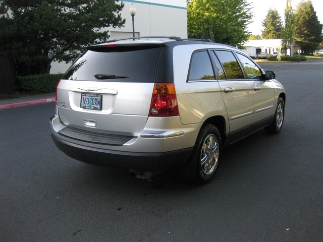 2005 chrysler pacifica signature series 3rd seat rear dvd leather. Black Bedroom Furniture Sets. Home Design Ideas