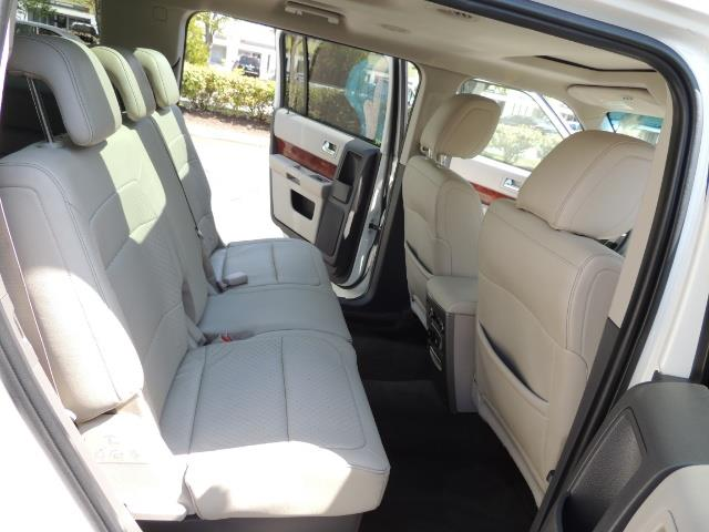 2010 Ford Flex Limited / AWD / Third Seat / Navigation / Leather - Photo 17 - Portland, OR 97217