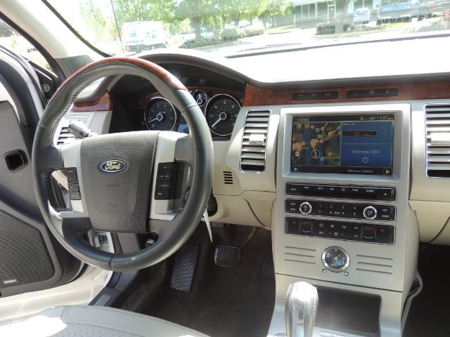 2010 Ford Flex Limited / AWD / Third Seat / Navigation / Leather - Photo 20 - Portland, OR 97217