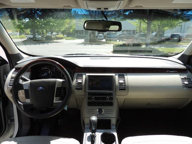 2010 Ford Flex Limited / AWD / Third Seat / Navigation / Leather - Photo 37 - Portland, OR 97217