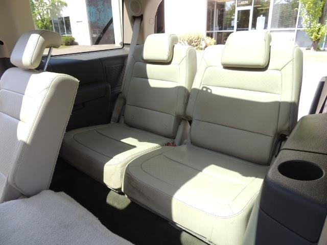 2010 Ford Flex Limited / AWD / Third Seat / Navigation / Leather - Photo 16 - Portland, OR 97217