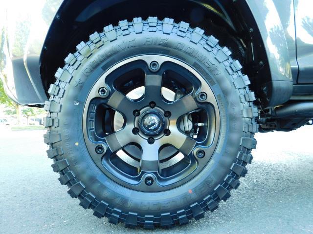 2016 Toyota 4Runner SR5 / 4WD / Navi / Backup Camera/ LIFTED LIFTED - Photo 22 - Portland, OR 97217