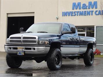 2001 Dodge Ram 2500 SLT / 4X4 / 5.9L Cummins Diesel / LIFTED / 1-Owner Truck