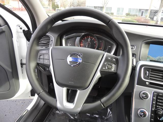 2017 Volvo V60 T5 Premier/ Leather / Heated Seats / Navigation - Photo 39 - Portland, OR 97217