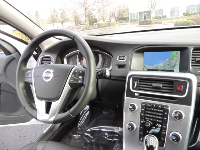 2017 Volvo V60 T5 Premier/ Leather / Heated Seats / Navigation - Photo 38 - Portland, OR 97217