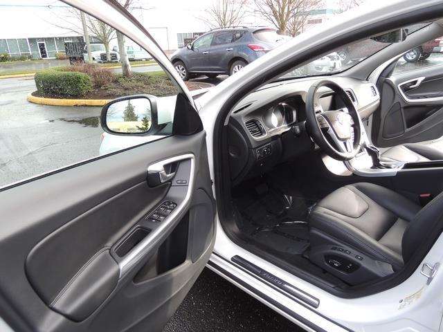 2017 Volvo V60 T5 Premier/ Leather / Heated Seats / Navigation - Photo 13 - Portland, OR 97217