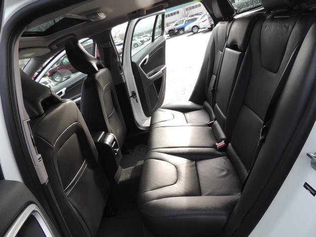 2017 Volvo V60 T5 Premier/ Leather / Heated Seats / Navigation - Photo 15 - Portland, OR 97217