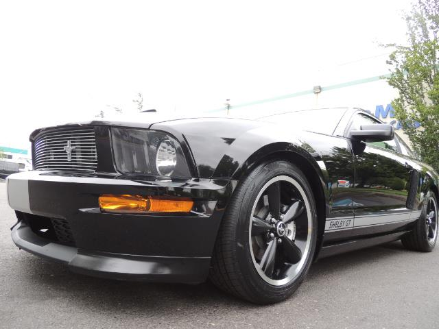 2007 Ford Mustang GT Premium / 5-SPEED / SHELBY PKG / 38K MILES - Photo 9 - Portland, OR 97217