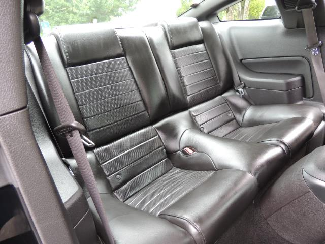 2007 Ford Mustang GT Premium / 5-SPEED / SHELBY PKG / 38K MILES - Photo 16 - Portland, OR 97217