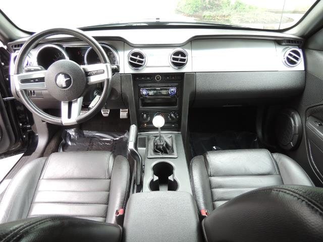 2007 Ford Mustang GT Premium / 5-SPEED / SHELBY PKG / 38K MILES - Photo 18 - Portland, OR 97217