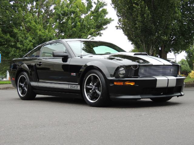 2007 Ford Mustang GT Premium / 5-SPEED / SHELBY PKG / 38K MILES - Photo 2 - Portland, OR 97217