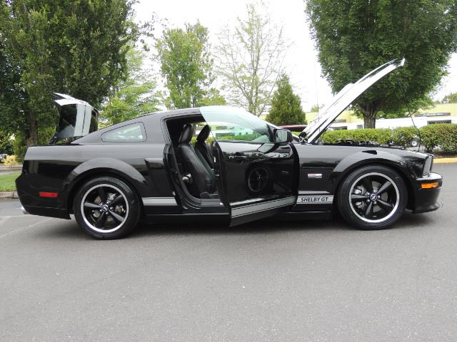 2007 Ford Mustang GT Premium / 5-SPEED / SHELBY PKG / 38K MILES - Photo 32 - Portland, OR 97217