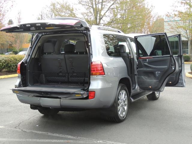 2010 Lexus LX 570 / AWD / Navi / Backup / Third Seat / 1-OWNER - Photo 28 - Portland, OR 97217