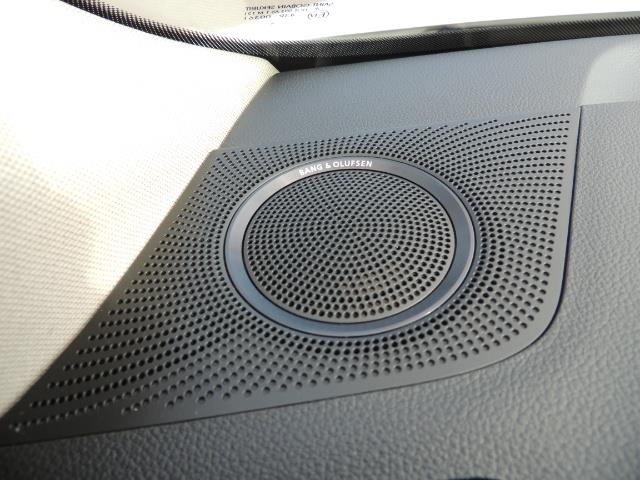 2010 Audi Q5 3.2 quattro Prestige / AWD / Panorama Sunroof - Photo 42 - Portland, OR 97217