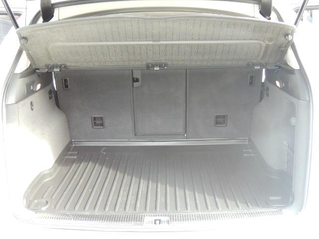 2010 Audi Q5 3.2 quattro Prestige / AWD / Panorama Sunroof - Photo 17 - Portland, OR 97217