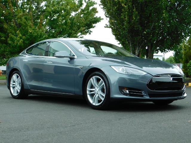 2013 Tesla Model S Tech Package / Smart Suspention / Leather / heated - Photo 2 - Portland, OR 97217