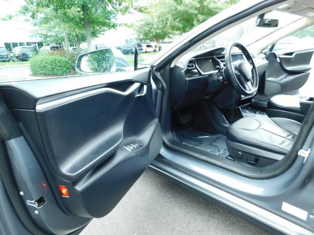2013 Tesla Model S Tech Package / Smart Suspention / Leather / heated - Photo 13 - Portland, OR 97217