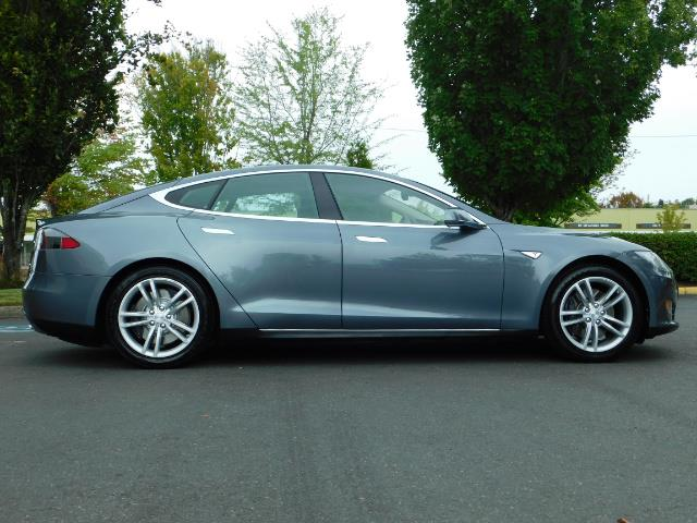 2013 Tesla Model S Tech Package / Smart Suspention / Leather / heated - Photo 4 - Portland, OR 97217