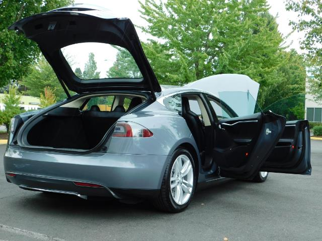 2013 Tesla Model S Tech Package / Smart Suspention / Leather / heated - Photo 28 - Portland, OR 97217