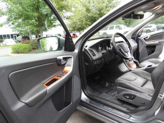 2017 Volvo XC60 T5 Inscription / BLIS / NAVI / Backup / Pano Roof - Photo 13 - Portland, OR 97217