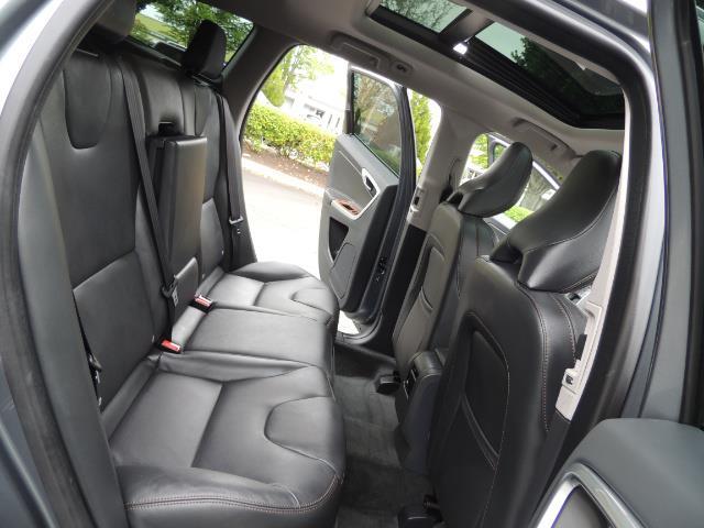 2017 Volvo XC60 T5 Inscription / BLIS / NAVI / Backup / Pano Roof - Photo 15 - Portland, OR 97217