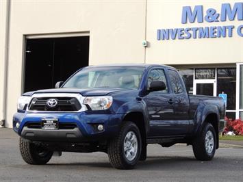 2014 Toyota Tacoma PreRunner V6 / Back up camera / 1-OWNER Truck
