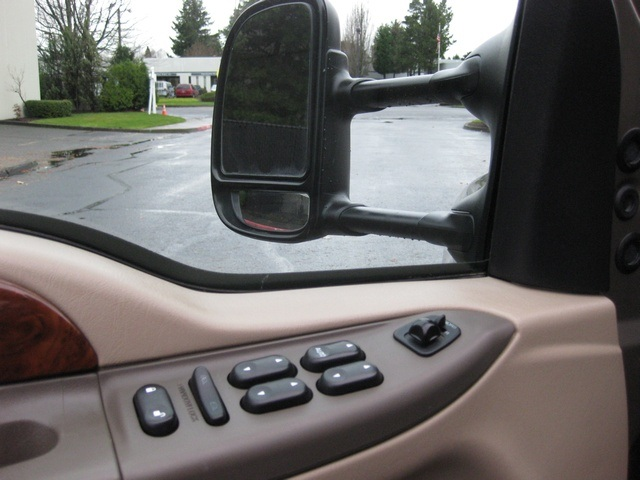 2002 Ford F-350 Crew Cab 4X4 LARIAT / 7.3L Turbo Diesel /LOW Miles - Photo 18 - Portland, OR 97217