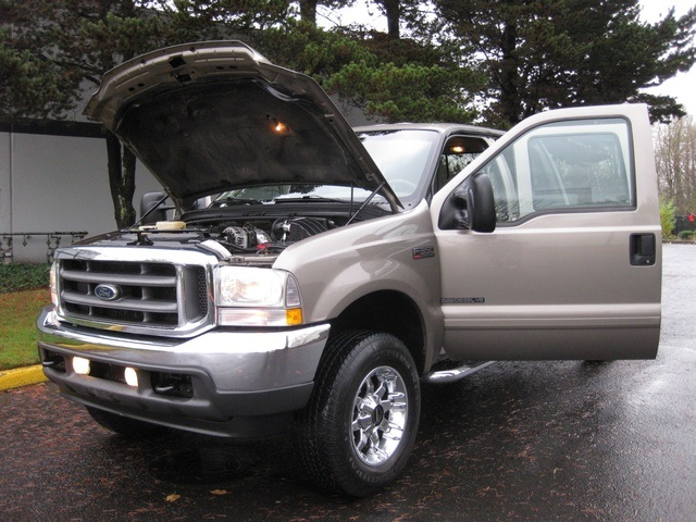 2002 Ford F-350 Crew Cab 4X4 LARIAT / 7.3L Turbo Diesel /LOW Miles - Photo 9 - Portland, OR 97217