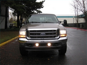 2002 Ford F-350 Crew Cab 4X4 LARIAT / 7.3L Turbo Diesel /LOW Miles - Photo 2 - Portland, OR 97217
