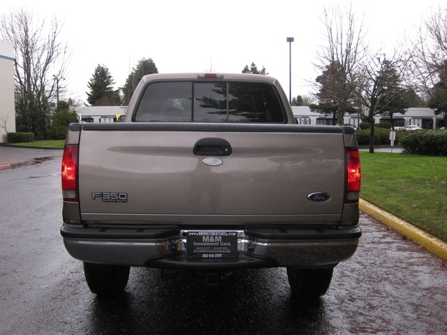 2002 Ford F-350 Crew Cab 4X4 LARIAT / 7.3L Turbo Diesel /LOW Miles - Photo 5 - Portland, OR 97217