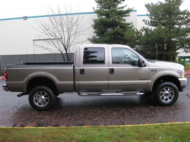 2002 Ford F-350 Crew Cab 4X4 LARIAT / 7.3L Turbo Diesel /LOW Miles - Photo 7 - Portland, OR 97217