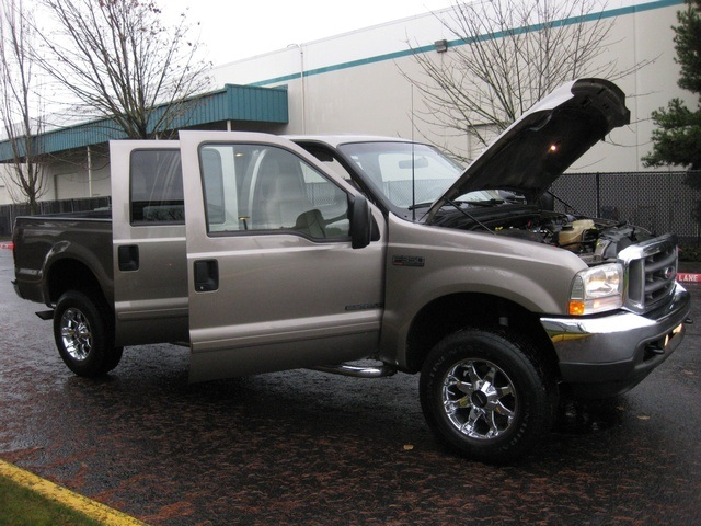 2002 Ford F-350 Crew Cab 4X4 LARIAT / 7.3L Turbo Diesel /LOW Miles - Photo 14 - Portland, OR 97217
