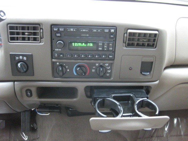 2002 Ford F-350 Crew Cab 4X4 LARIAT / 7.3L Turbo Diesel /LOW Miles - Photo 32 - Portland, OR 97217