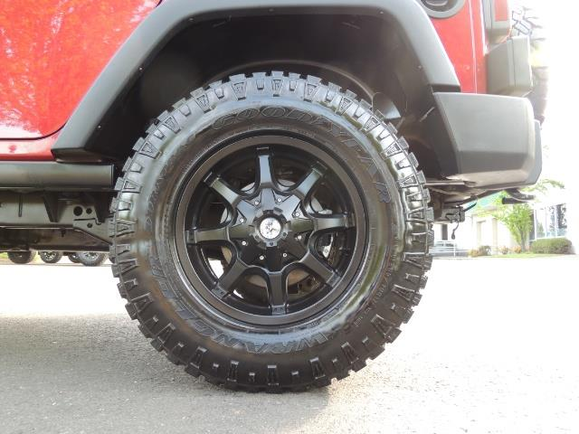 2011 Jeep Wrangler Unlimited Sport / 4X4 / 6-SPEED / LIFTED - Photo 39 - Portland, OR 97217