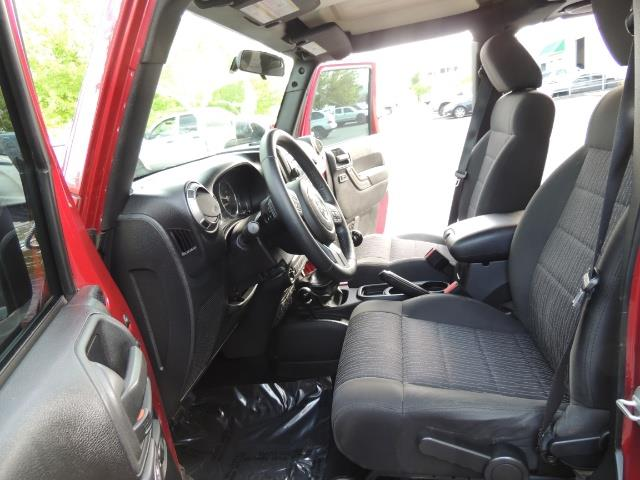 2011 Jeep Wrangler Unlimited Sport / 4X4 / 6-SPEED / LIFTED - Photo 13 - Portland, OR 97217