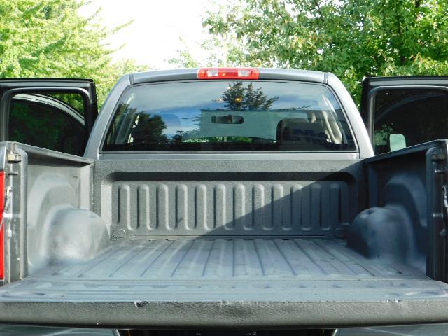 2004 Dodge Ram 2500 Quad Cab / 4X4 5.9L CUMMINS Diesel MANUAL / LIFTED - Photo 20 - Portland, OR 97217