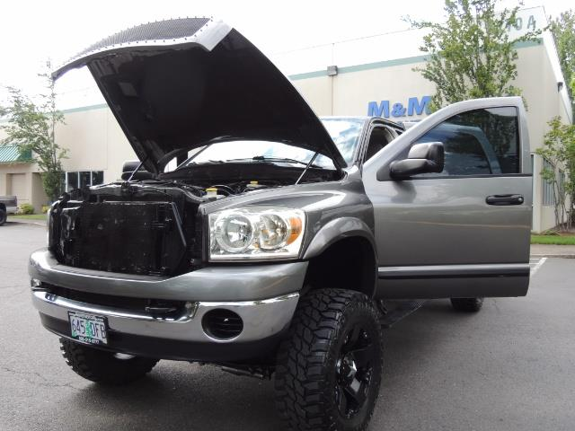 2007 Dodge Ram 2500 SLT 4dr Mega Cab / 4X4 /5.9L DIESEL /NAVI/ LIFTED - Photo 25 - Portland, OR 97217