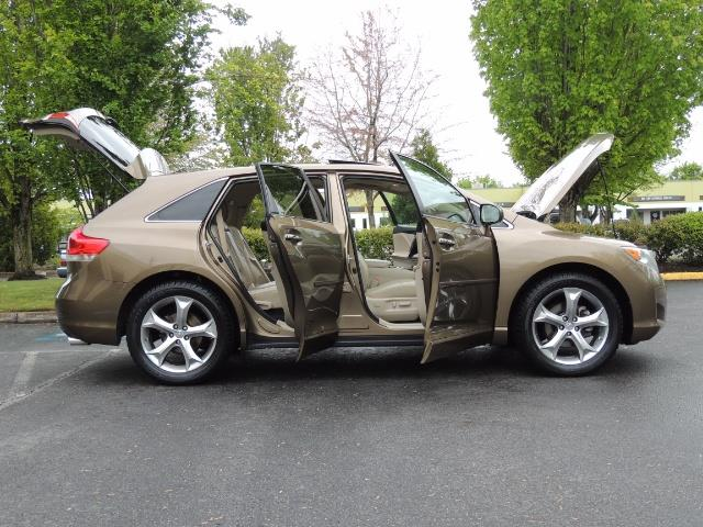 2010 Toyota Venza AWD V6 Wagon / LEATHER / Panoramic Roof / Records - Photo 24 - Portland, OR 97217