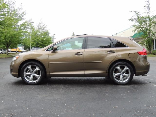 2010 Toyota Venza AWD V6 Wagon / LEATHER / Panoramic Roof / Records - Photo 3 - Portland, OR 97217