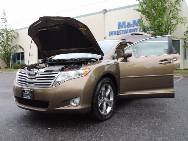 2010 Toyota Venza AWD V6 Wagon / LEATHER / Panoramic Roof / Records - Photo 25 - Portland, OR 97217