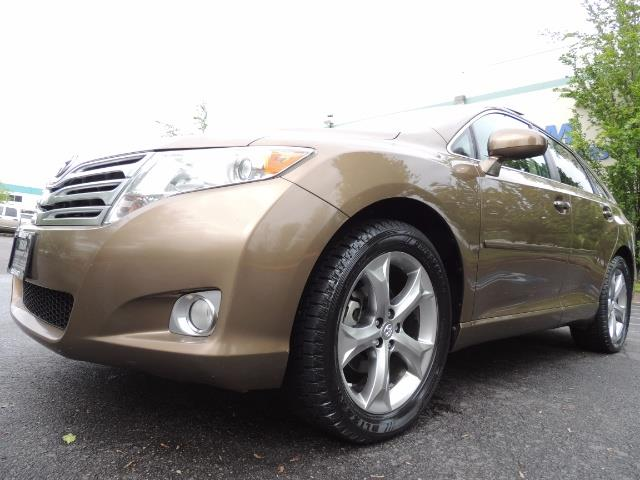 2010 Toyota Venza AWD V6 Wagon / LEATHER / Panoramic Roof / Records - Photo 9 - Portland, OR 97217