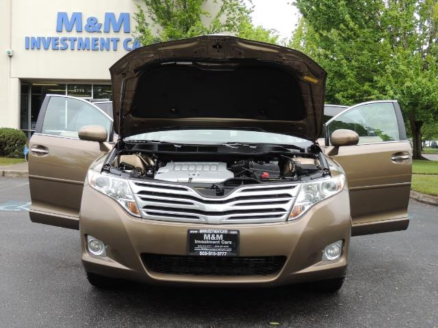 2010 Toyota Venza AWD V6 Wagon / LEATHER / Panoramic Roof / Records - Photo 30 - Portland, OR 97217