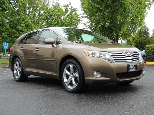 2010 Toyota Venza AWD V6 Wagon / LEATHER / Panoramic Roof / Records - Photo 2 - Portland, OR 97217